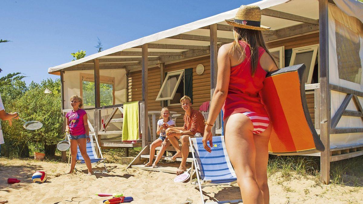 Camping à la plage, les avantages pour les familles